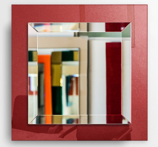 Red-Mirror